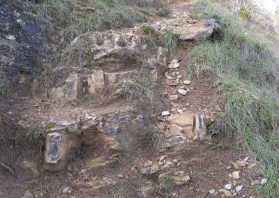 Les bancs de calcaire vers Florac forment des escaliers.