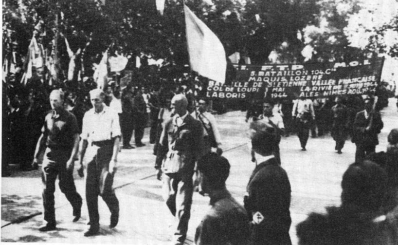 Les antifascistes allemands du maquis des Cévennes sont en première ligne du défilé de la libération de Nîmes du 4 septembre 1944.