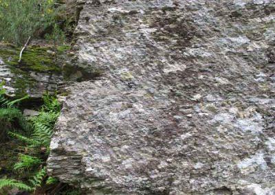 Traces de marteline sur la voie royale taillée à main d'hommes - Saint-Martin-de-Lansuscle