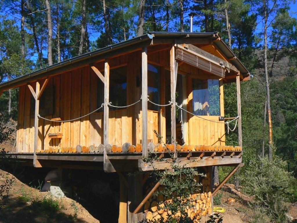 La colline vagabonde - Séjour pleine nature - tentes et cabane sur pilotis -