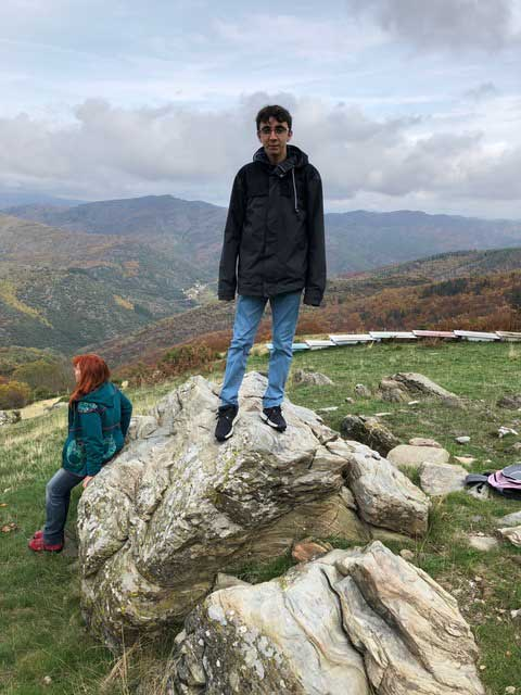 Angus sur le rocher (photo Fanette Laubenheimer)