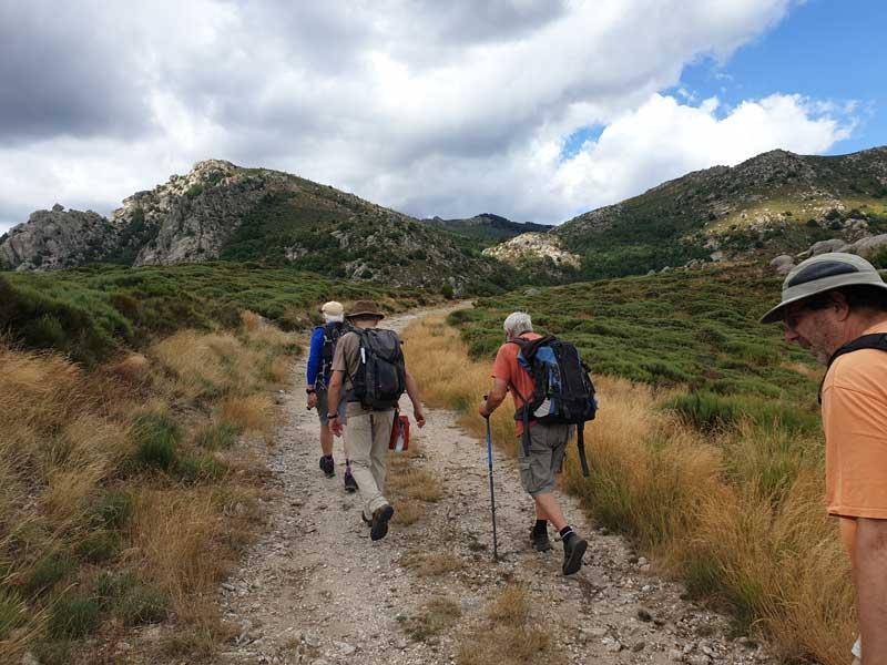 Vers le col de Montclar (Photo Carlos)
