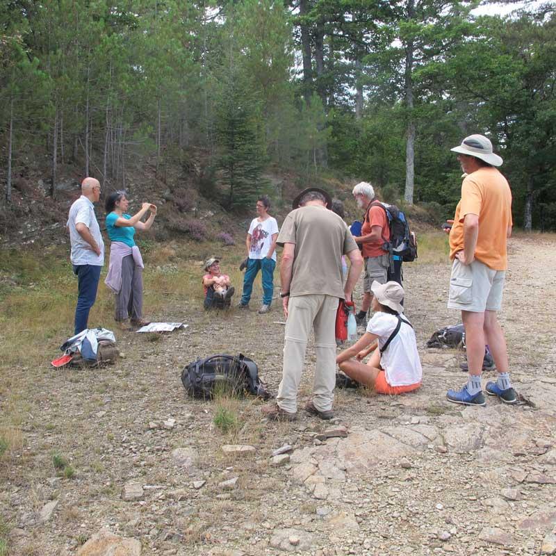 Explication géologique autour de Génolhac (Photo Robert Guin)